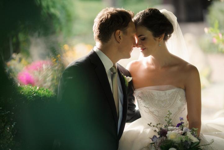 celebrity-wedding 002 (Sides 3-4)