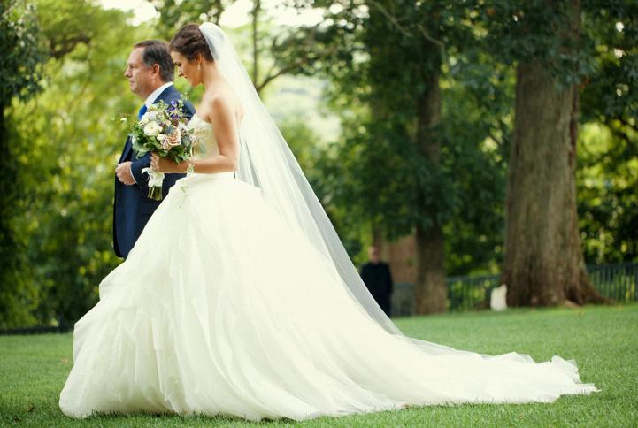 celebrity-wedding 038 (Sides 75-76)