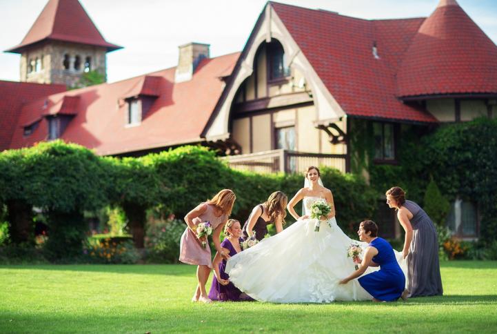 celebrity-wedding 055 (Sides 109-110)