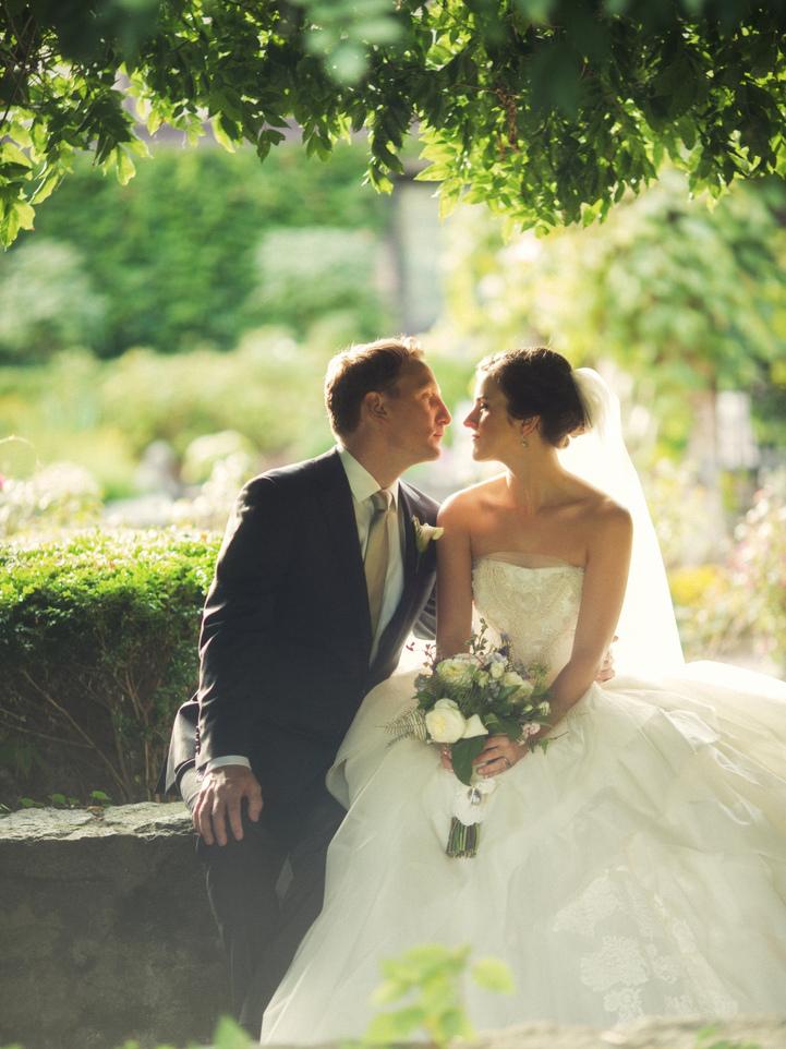 celebrity-wedding 060 (Sides 119-120)
