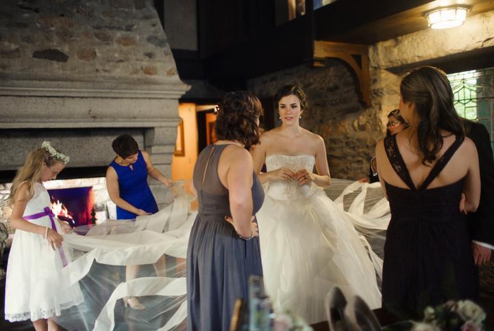 celebrity-wedding 070 (Sides 139-140)